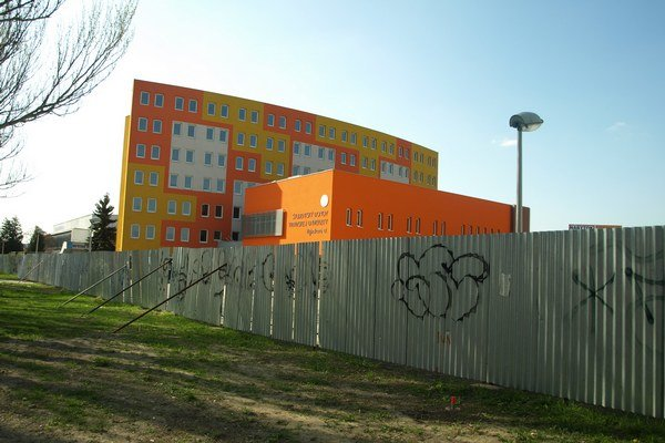 K internátu Trnavskej univerzity by mala viesť aj cesta od Rybníkovej ulice.