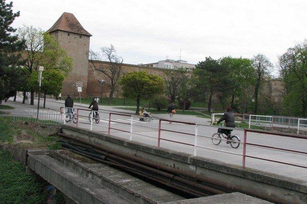 Most je už roky v nevyhovujúcom stave.