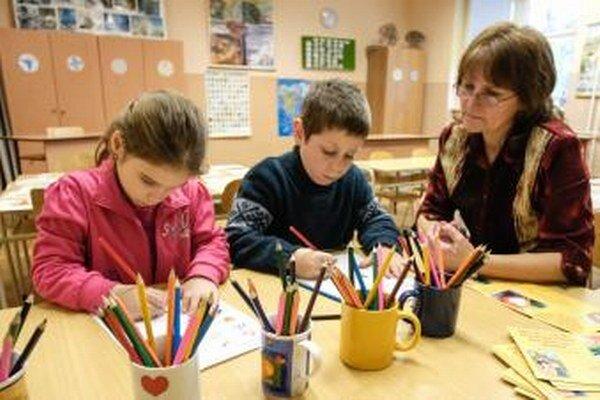 Do mestských škôl zatiaľ zapísali 638 detí.
