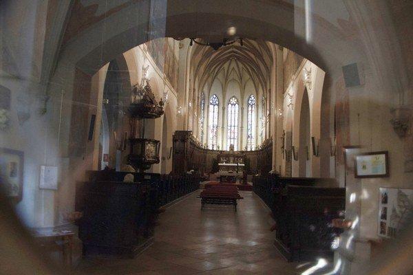 Incident v kostole vedenie arcidiecézy odsúdilo.