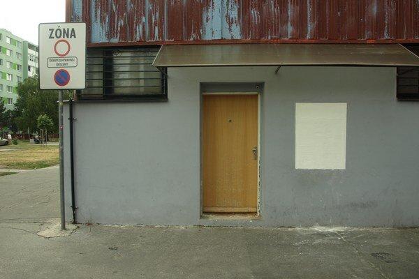 Bankomat na Limbovej zrušili. Sporiteľňa hľadá náhradu.