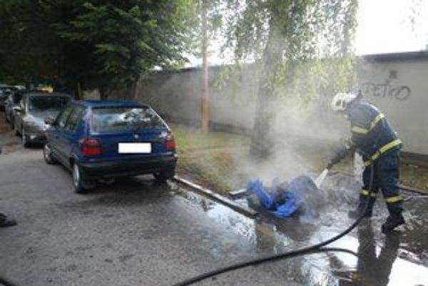 Od začiatku roka zhorelo v uliciach Trnavy už 27 kontajnerov.