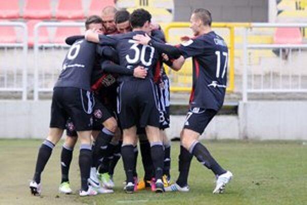 Spartak vstúpil do jarnej čsti výhrou 2:0 nad Nitrou.