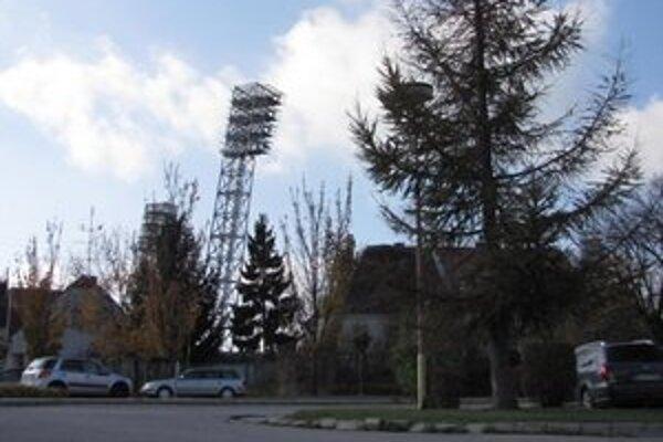 Parkovné na pozemkoch City-Areny vyberá aj naďalej mesto.