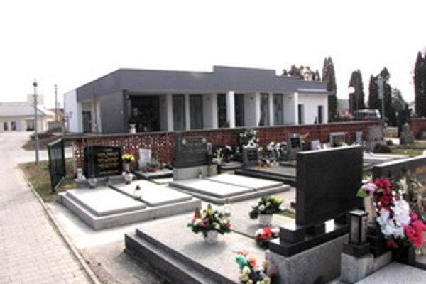 Piešťanský dom smútku na Žilinskej ceste opravili za 260 tisíc eur.