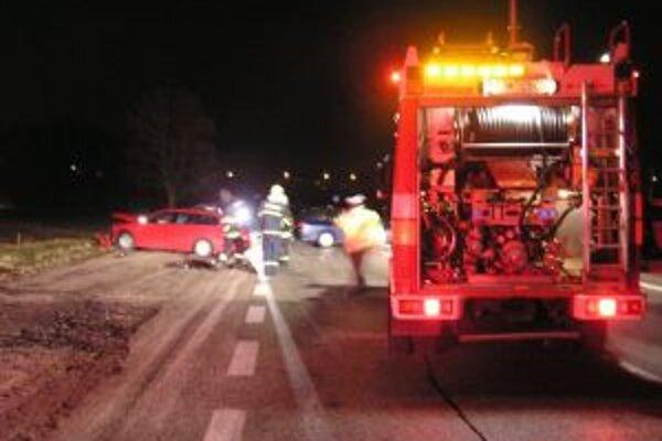 Hasiči zasahovali pri požiaroch aj dopravných nehodách.
