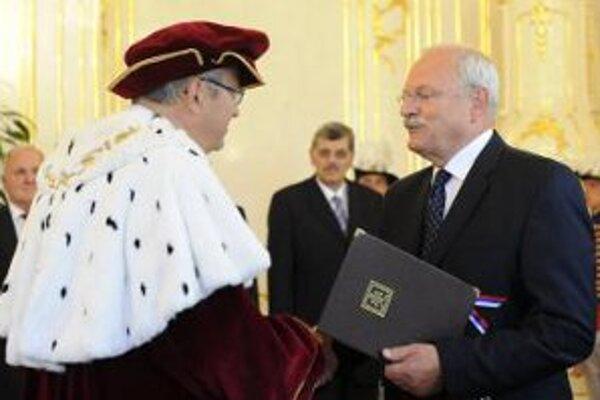 Nový trnavský rektor v prezidentskom paláci.