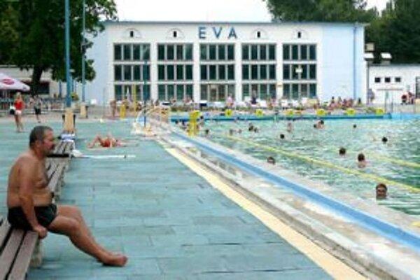 V porovnaní s minulý rokom bola návštevnosť kúpaliska Eva túto sezónu nižšia.