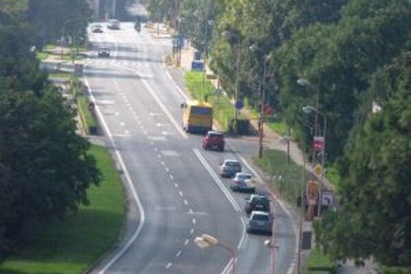 Na Hospodárskej ulici by mal byť pre autobusy vyhradený pruh.