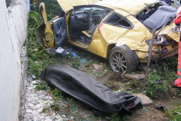 Vodič zomrel priamo na mieste nehody.
