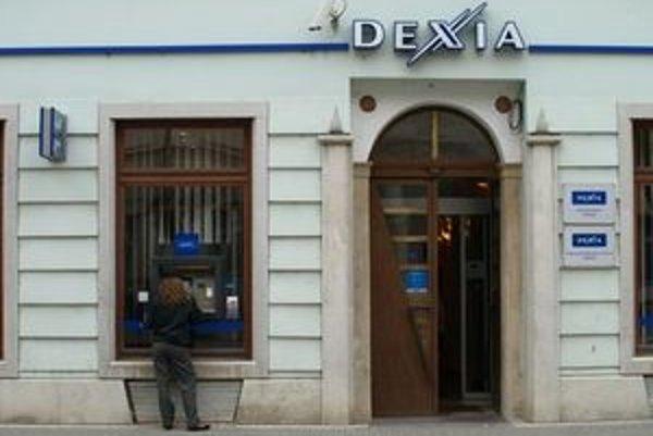 Na bankomate Dexie bola nainštalovaná čítačka.