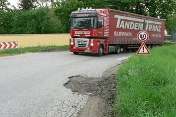 Kraj opraví kilometre ciest.
