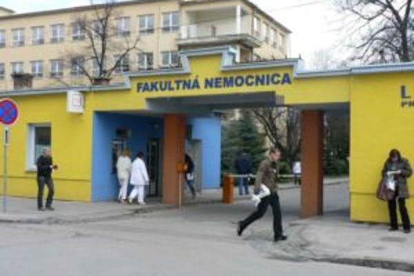 Necelých 15 miliónov eur od štátu použije fakultná nemocnica na zaplatenie starých dlhov.