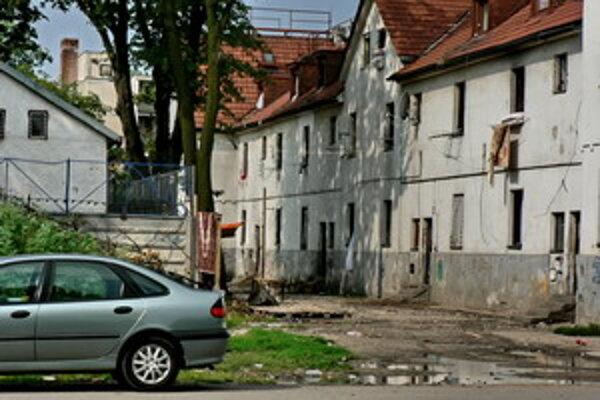 Požiar zasiahol podkrovné byty.