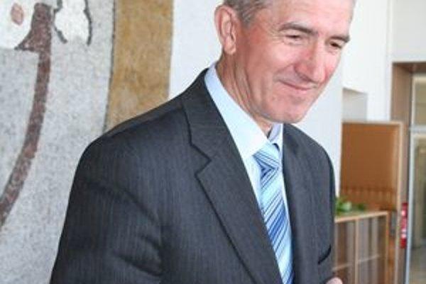 Primátor Serede Vladimír Vranovič nechcel, aby sa polročné odmeny udeľovali.