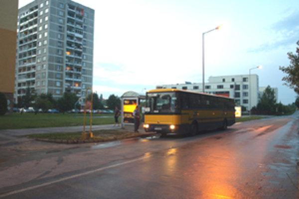 Obyvateľom Prednádražia sa momentálne linkovanie autobusov nepáči.