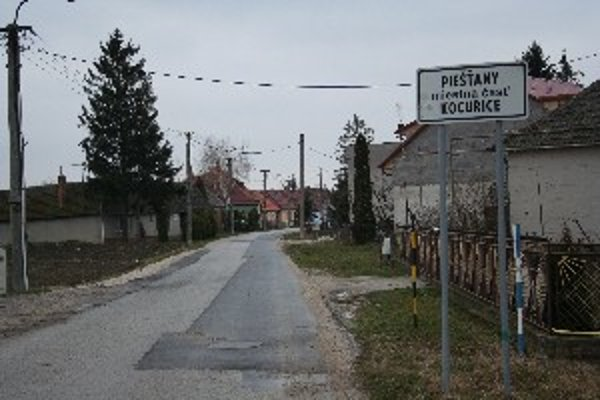 Do Kocuríc by výstavba priniesla aj obchod a iné služby obyvateľom.