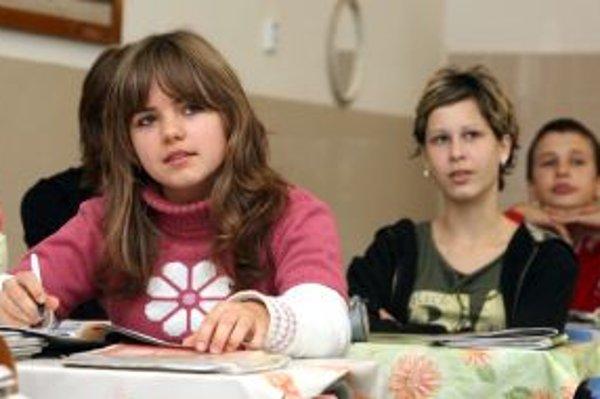 Deti na dvoch základných školách v Hlohovci by sa mali dočkať rekonštrukcie.