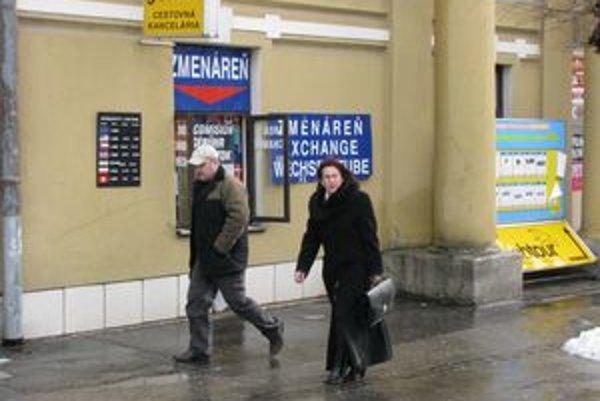 Niektorí majitelia slovenských zmenární plánujú svoje prevádzky presťahovať do Českej republiky.
