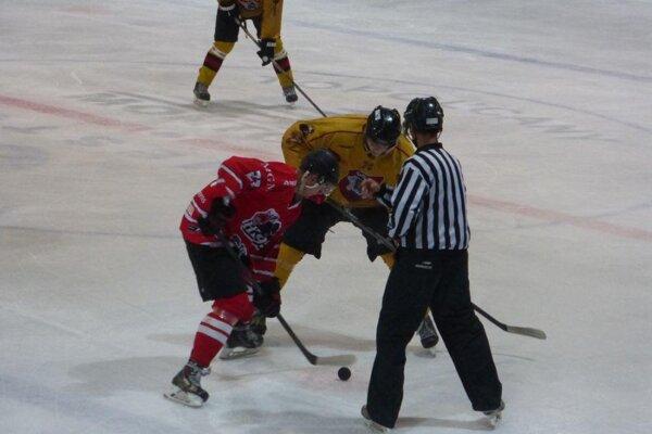 Pov. bystrica (v červenom) získala prvé body.