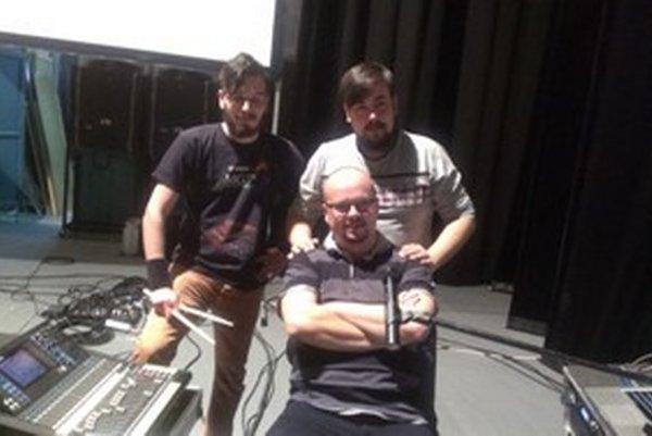 Koncertná zostava: Roman Nadányi, Robo Šimko, Jozef Bittera.
