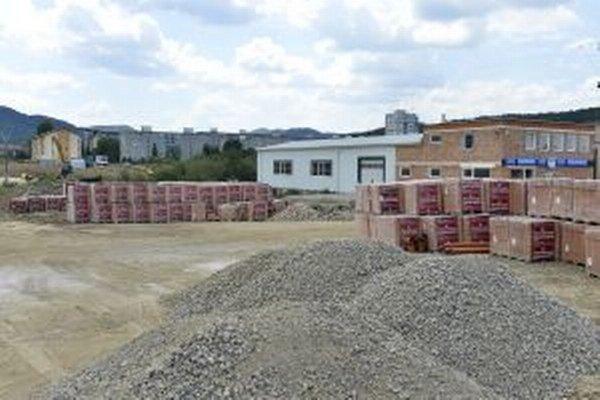 V priemyselnom parku v Novej Dubnici pribudne dvesto pracovných miest.