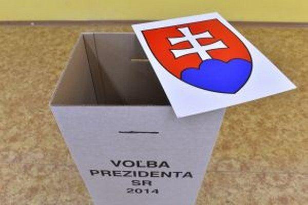 Všetky volebné miestnosti sa otvorili načas.