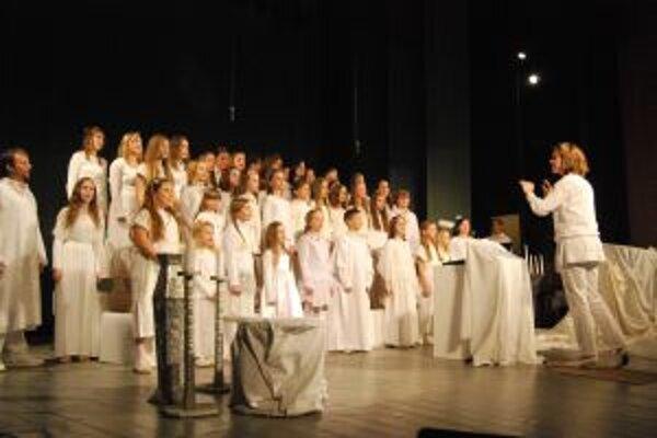 V muzikáli Anjeli sa predstavilo vyše päťdesiat účinkujúcich