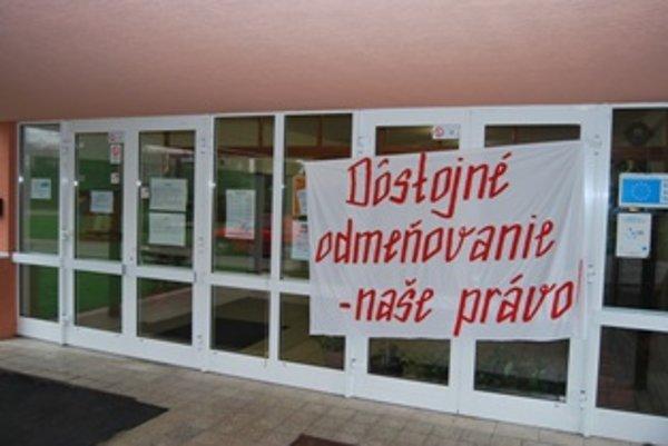 Do štrajku sa zapojila aj Základná škola na Odborárskej ulici v Novom Meste nad Váhom
