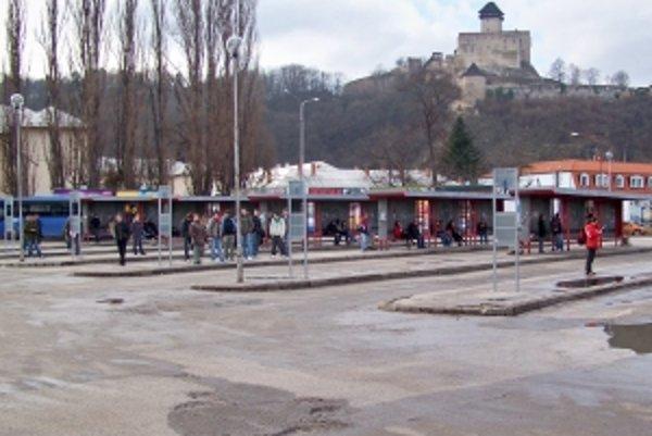 Trenčianska autobusová stanica sa začne obnovovať v jarných mesiacoch.