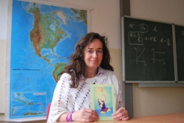 Učiteľka debutuje básnickou zbierkou Básne letia do neba.