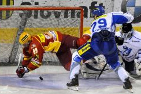 Štvrfinálovú sériu vedie Dukla na zápasy 3:1.