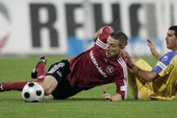 Marek Mintál (vľavo) v zápase proti Ahlenu trikrát skóroval.