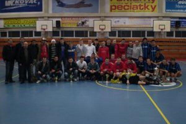 Vianočného halového turnaja v minifutbale sa zúčastnilo viac ako tristo hráčov. Počas dvoch dní odohrali 44 zápasov.