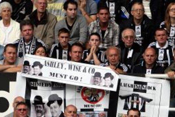 Fanúšikovia NUFC si už dlhšie pýtajú zmeny v správnej rade. Teraz po vypadnutí z Premier League je tomuto kroku naklonený aj samotný majiteľ Mike Ashley.