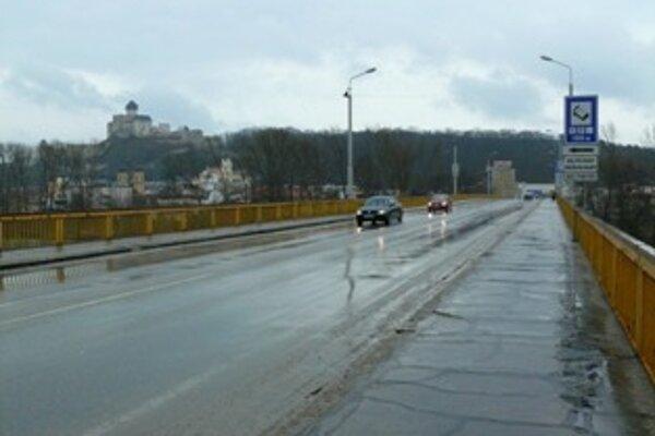 Nový most by mal výrazne odbremeniť prehustenú dopravu cez mesto