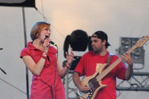 Trenčianska rodáčka Tereza Rajnincová sa na festivale predstavila so svojou kapelou Groove Inn.