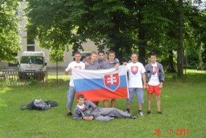 Družstvo z Pobedima reprezentovalo na medzinárodnom stretnutí mladých hasičov Slovensko.