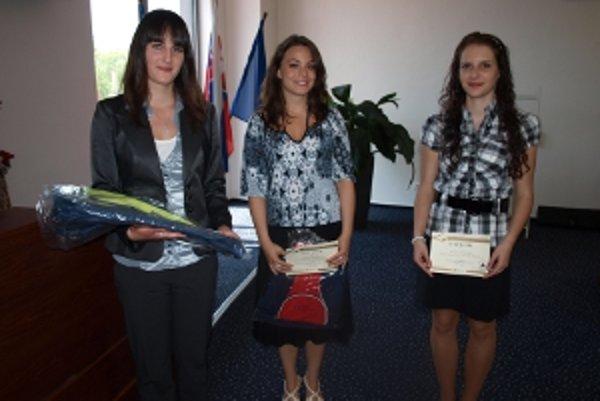 Tri víťazky trenčianskeho kola (zľava)Veronika Kišová, Daniela Kmeťová a Romana Santová.