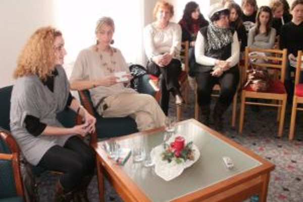 Iveta Izraelová (vľavo) kladie dôraz na prácu s mládežou
