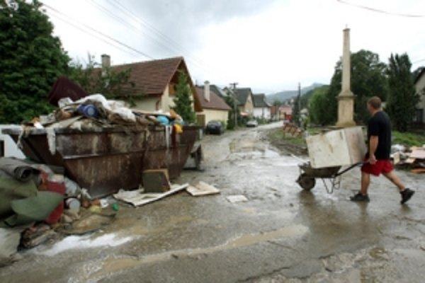 Povodeň zanechala škody aj vo Veľkej Čause.