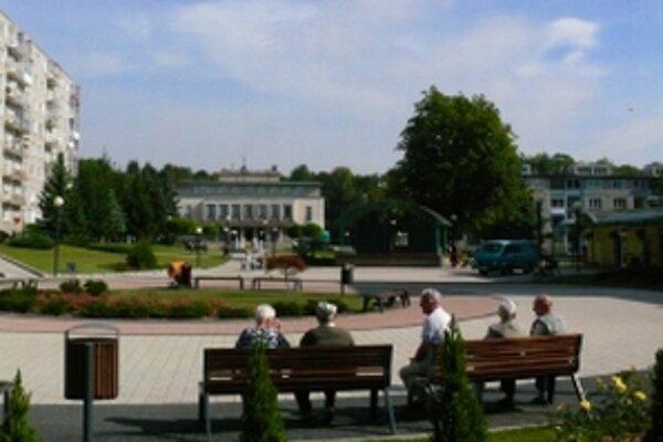 Rekonštrukciou centra v Starej Turej rozšíria pešiu zónu