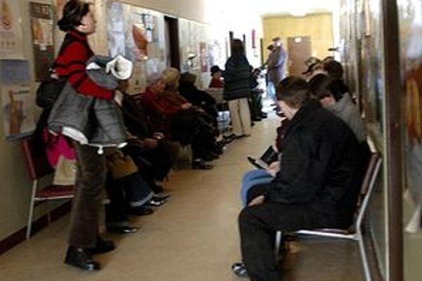 Od začiatku tohto kalendárneho roka čakárne u všeobecných lekárov napriek poklesu chorobnosti nezívali prázdnotou.