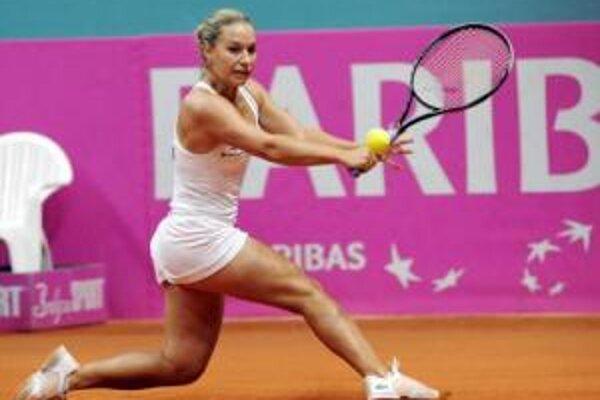 Dominika Cibulková v zápase proti Irode Tuľaganovej.