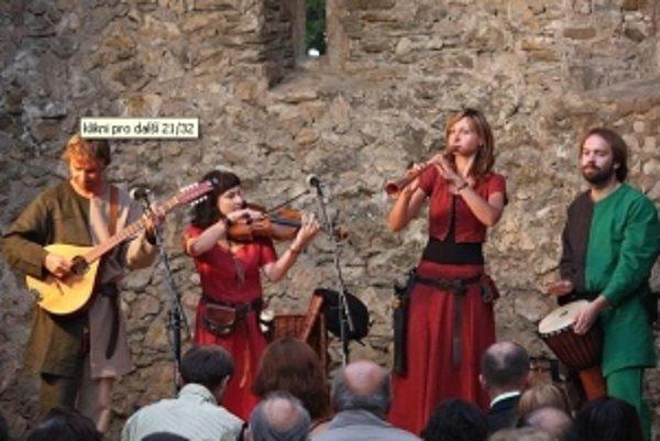 Zrúcanina haluzického kostola ožila stredovekou hudbou.