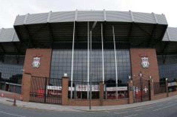Anfield Road - pohľad spred hlavného vchodu