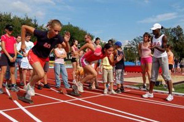 Na atletickom štadióne v Dubnici nad Váhom 19. mája vrcholilo regionálne športové podujatia mladých atlétov Trenčianskeho kraja