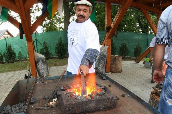 Foto z XII. Európskeho kováčskeho rómskeho sympózia v Dunajskej Lužnej.