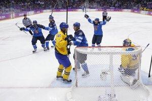 Fíni sa tešia po góle Olliho Jokinena.