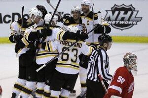 Boston je už len jedinú výhru od postupu cez Detroit.